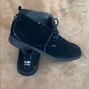 Calvin Klein men's black suede chukka boot